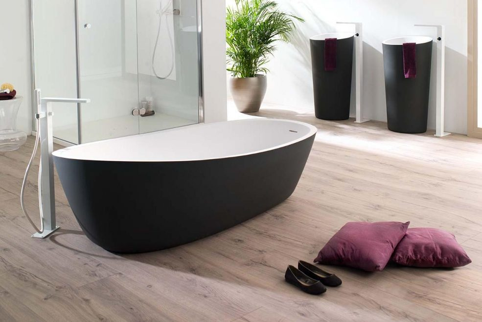 Black is back | Add the latest style trend into your bathroom design
