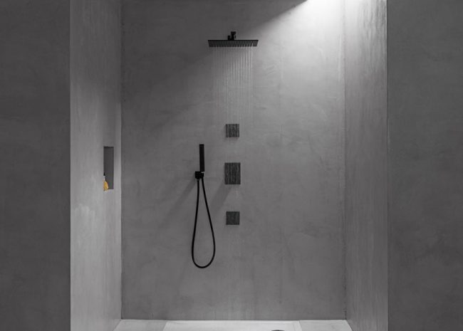 black in bathroom design